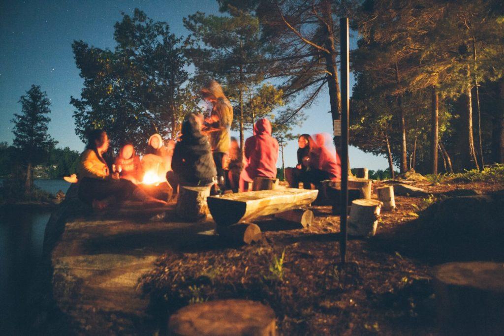 キャンプ|キャンプファイヤー|泊まり